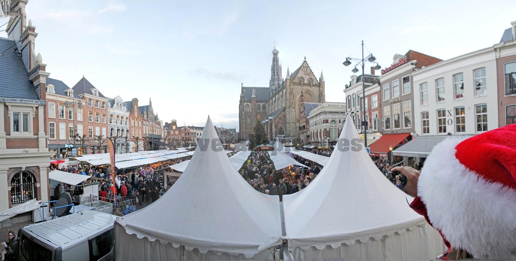 Kerstmarkt Grote Markt Haarlem 2013_panorama1_bewerkt-1